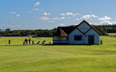 Pourquoi organiser un team building sportif sur un parcours de golf ?